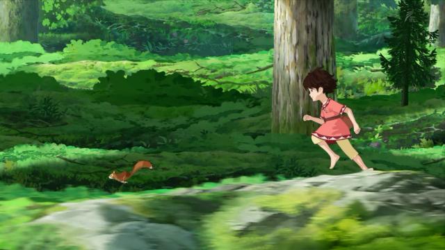 Ela corre atrás de um esquilo