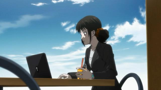 Shimotsuki impressionada com o que descobriu estudando os arquivos com o histórico de Togane