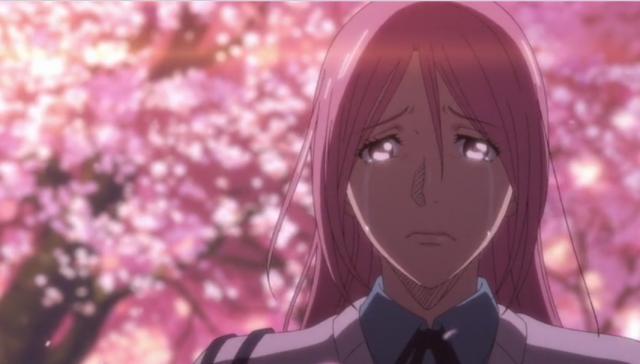 Ela enfim se rende e também chora.