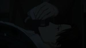 O tempo que Yuki permanece ao lado do espião tombado em respeitoso silêncio foi bem mais do que o necessário para cumprir sua missão