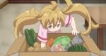 A Tsumugi procurando umas carninhas.