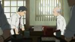 Araki, o atual editor de dicionários, anuncia sua aposentadoria iminente em almoço com Matsumoto, o dono da editora