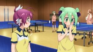 Para uma garota de personalidade assustadora, até que Kururi tem um lado fofo.