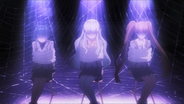 As três garotas são presas em uma ilusão e são forçadas a escutar um discurso desmoralizante do clutter