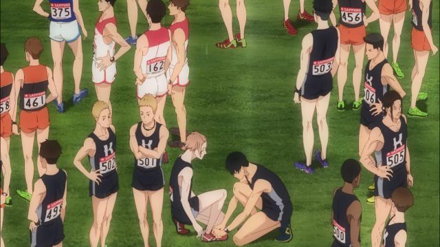 Kakeru amarra o tênis do Príncipe, que estava tremendo de nervoso