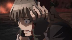 Asuka congelada à beira do desespero antes da batalha contra o Rei Disa