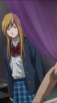 Sem que o serial killer perceba, Tamaki se aproxima dele