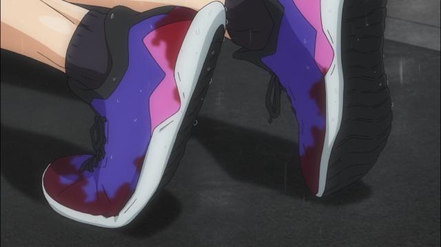 Os pés do Yuki estão em carne viva e seus músculos estão tremendo com os espasmos