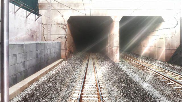 """Onodera contempla o mesmo túnel que ela viu no primeiro episódio, quando se perguntou, então, se o Izumi poderia """"caber"""" dentro dela. Sua resposta dessa vez é: """"Coube"""""""
