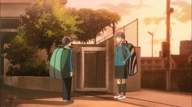 Itsuki e sua irmã Namie se encontram após o incidente da raquetada no valentão