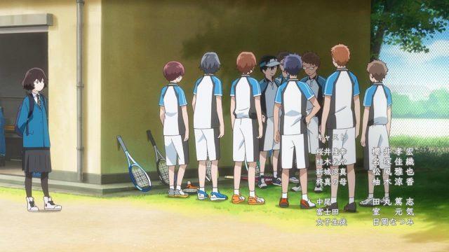 Kanako nem é do clube de soft tênis, mas está ali por perto casualmente só porque o Maki está ali