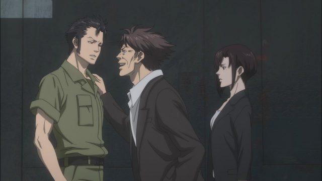 Risa Aoyanagi e Tomomi Masaoka investigando um caso em que o suspeito era Teppei Sugo, quando ele ainda era um piloto militar, em Sinners of the System - Caso 2