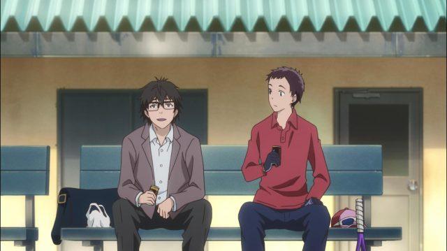 O Professor Sakurai conversa com um colega com quem foi marcar um amistoso