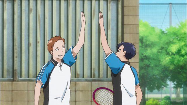 Os membros do clube de soft tênis começam a ficar motivados