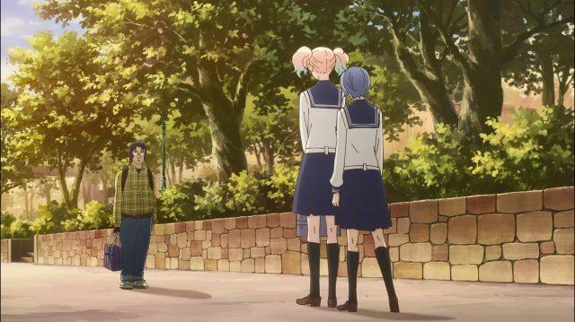 Sarasa e Ai encontram com o stalker esperando a ex-idol